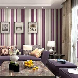 Wohnzimmergestaltung Mit Tapeten : lila tapete 48 interessante ideen ~ Sanjose-hotels-ca.com Haus und Dekorationen