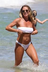 Lisa Clark In A White Bikini On The Beach In Sydney