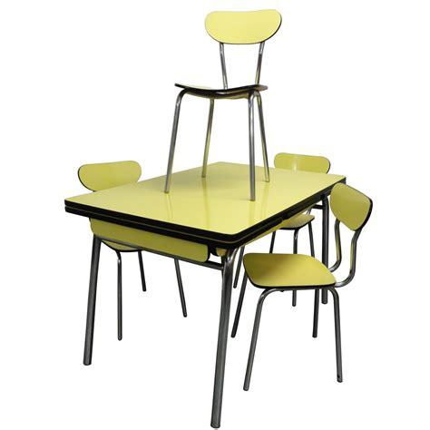 table avec 4 chaises table de cuisine avec chaise mobilier sur enperdresonlapin