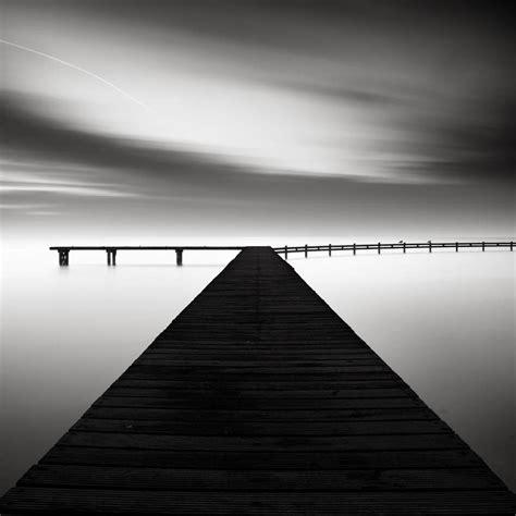 Bilder Küche Schwarz Weiß by The Of Black And White Photography By Joel Tjintjelaar