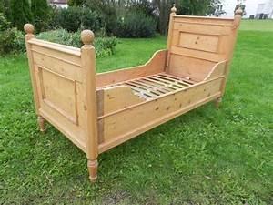Einzelbetten Aus Holz : massives einzelbett kaufen massives einzelbett gebraucht ~ Markanthonyermac.com Haus und Dekorationen