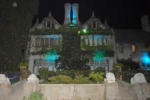 file playboy mansion north side 2007 jpg wikimedia commons