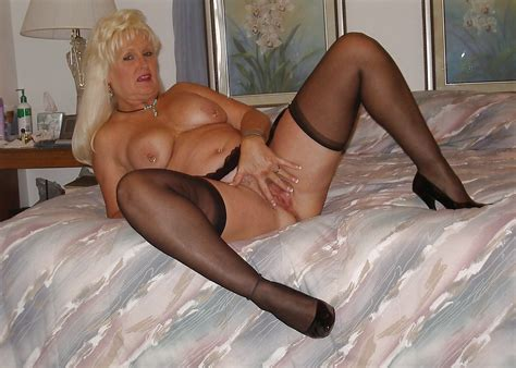 Jan B Mature Slutty Lady In Stockings Heels Porn Pictures