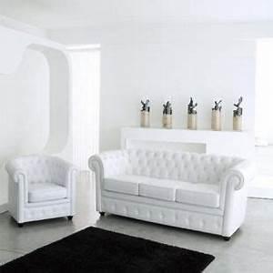 Maison Du Monde Chesterfield : fauteuil aspect cuir blanc capitonn chesterfield ~ Teatrodelosmanantiales.com Idées de Décoration