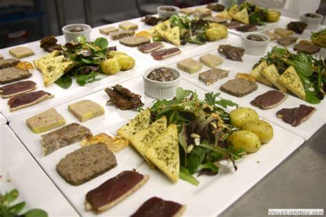 la ferme aux plumes le foie gras et sa table gourmande