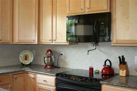 kitchen with backsplash idea 30 amazing design ideas for a kitchen backsplash 6490