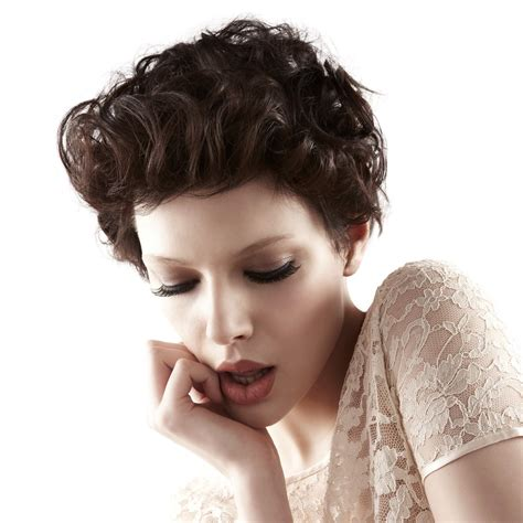 short hairstyle  curls   hair styled