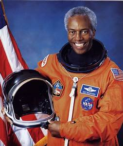 Guion Bluford | Pioneers of Flight