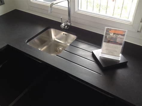 plan de travail evier moule plan de travail granit quartz table en mabre essonne plan de travail en