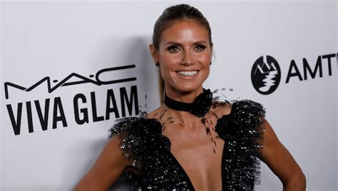 Photos Heidi Klum Shows How Low She Can The Red