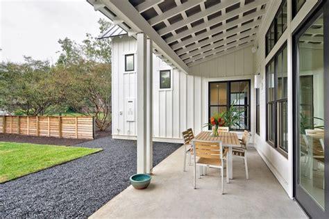 Modern Farmhouse   Farmhouse   Porch   Austin   by Redbud