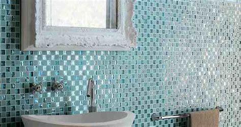 Badezimmer Fliesen Hellblau by Bad Fliesen Glas Mosaik Hellblau Vintage Spiegelrahmen