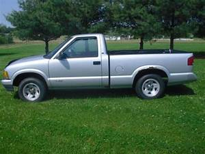 Find Used 1996 Chevrolet S10 Standard Cab Pickup 2