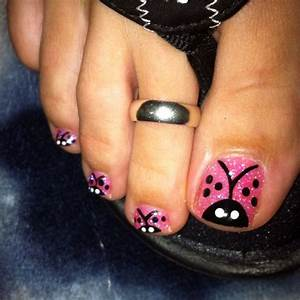 Lady bug toe nails !! ;) with pink sparkle powder ...