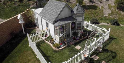 stunning celebrity dog houses