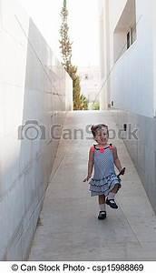 Baby Walking Alone Clipart   www.pixshark.com - Images ...