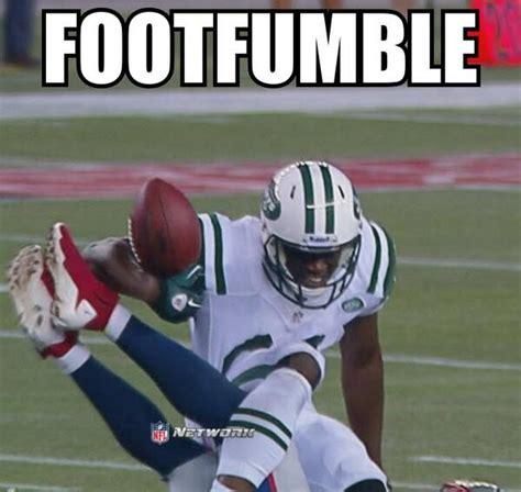 foot fumble daily snark