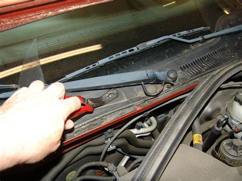 Sparky's Answers  2004 Pontiac Grand Prix, Changing The
