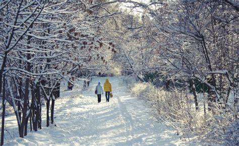 Përfitime shëndetësore të ecjes në kohën e dimrit ...