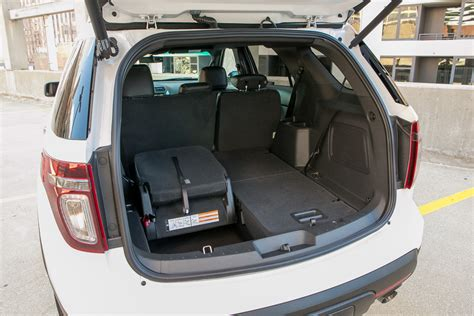 Ford Explorer 8 Seater   reviews, prices, ratings with