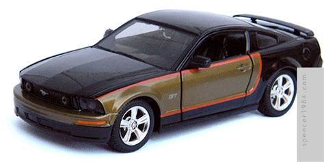 maisto   speed undercover  ford mustang gt