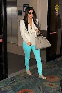 Ny pics Kim Kardashian Hot at the Airport in Miami-Photos