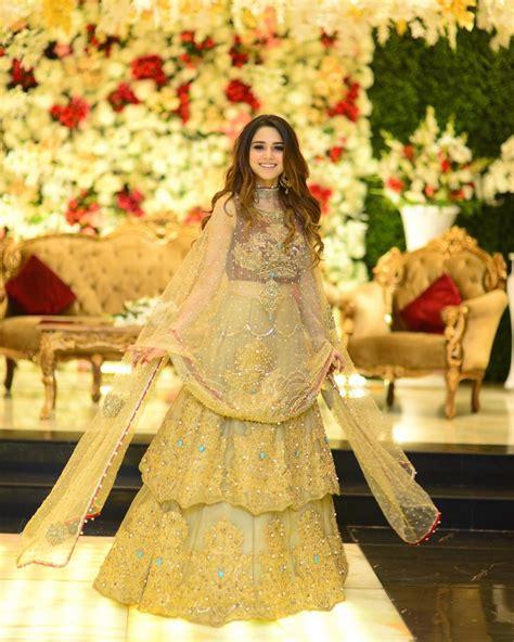 beautiful clicks  aima baig   sister wedding pakistani drama celebrities