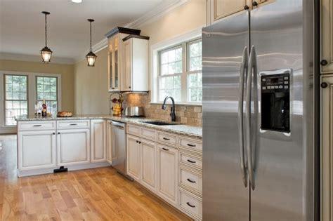 cuisine blanche et inox emejing cuisine avec frigo noir contemporary lalawgroup us lalawgroup us