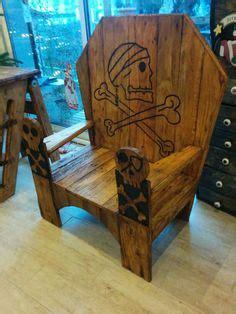 Table Et Chaises En Palettes Recyclées Wood Pixodium Trône De Pirate Pour Adulte Palette Recyclage Bois