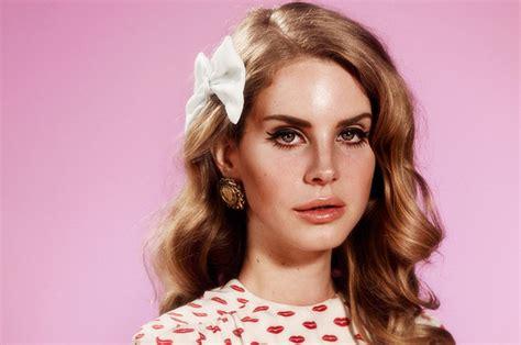 Lana Del Reys Hair Trends Hm Hairmeida