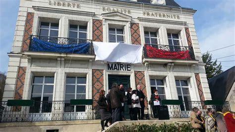 mairie de la chambre indre et loire la mairie de reugny affiche enfin la