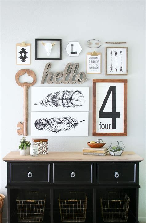 20 rustic ideas for farmhouse wall art. Awesome Farmhouse Gallery Wall Ideas With Fixer Upper Charm - The Cottage Market