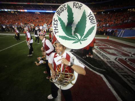 legal marijuana states  face   bong bowl er