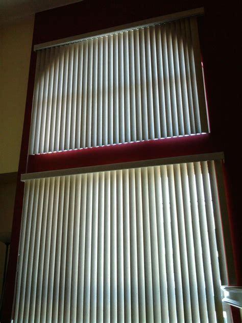 vertical blinds  upper   windows window blinds