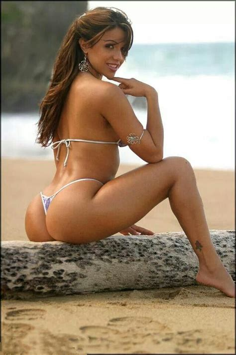Women We Love - Vida Guerra - Urbasm