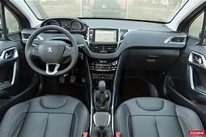 Renault Captur Initiale Paris Finitions Disponibles : le peugeot 2008 affronte le renault captur photo 11 l 39 argus ~ Medecine-chirurgie-esthetiques.com Avis de Voitures