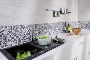 Credence Cuisine Carrelage Mosaique by Des Cr 233 Dences Qui Mettent En Valeur La Cuisine