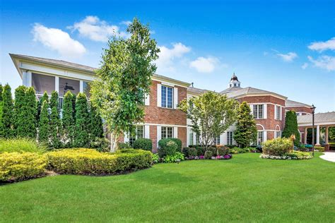 Whether you are looking for a studio condominium or for the area's best selection of homes for sale and foreclosures, and for the best comparative market analysis in westbury, remember the name. Westbury Real Estate & Homes for Sale   Douglas Elliman