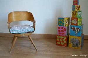 Chaise Bois Vintage : chaise vintage bois pour enfantautour du dressing ~ Teatrodelosmanantiales.com Idées de Décoration