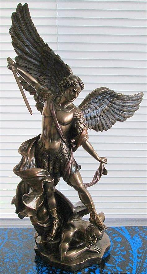 katolik st michael archangel membunuh iblis malaikat
