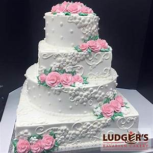 The 25+ best Green round shaped wedding cakes ideas on ...