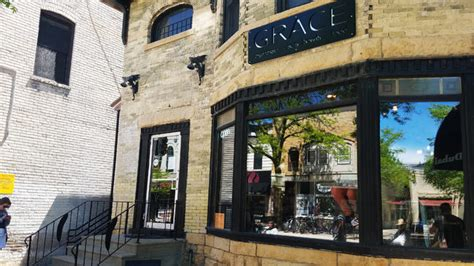 Specialty coffee shop with delicious breakfast and lunch options, pastries, and loose leaf teas! Grace Coffee Co. brings a taste of Seattle coffee culture to the heart of downtown Madison