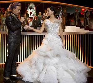 Top fashion moments in The Hunger Games: Catching Fire ...