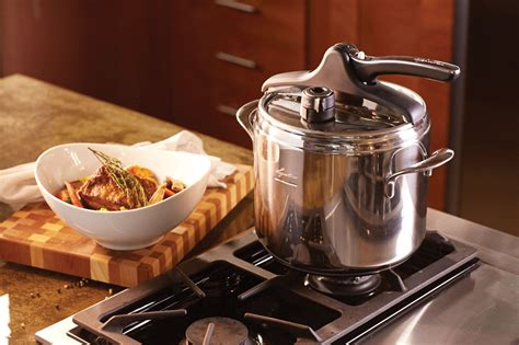 lagostina domina vitamin stainless steel pressure cooker  quart cutlery
