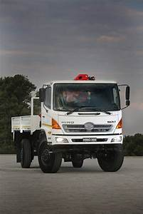 Single Or Double Rear Wheels On The Hino 500 Series 4x4