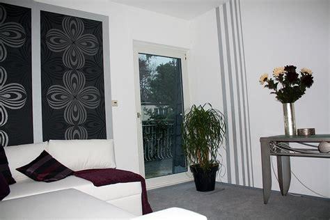 Wandgestaltung Mit Tapeten by Heimwerker Renovieren Tapeten Selber Tapezieren