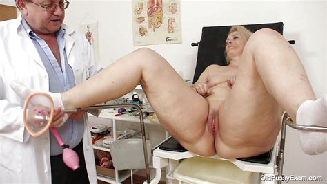 Yvonne In Chubby Blonde Getting Her Mature Vagina