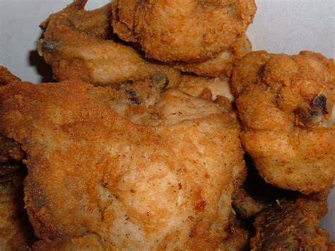 kentucky fried chicken recipe file kfc original recipe chicken in bucket jpg wikipedia