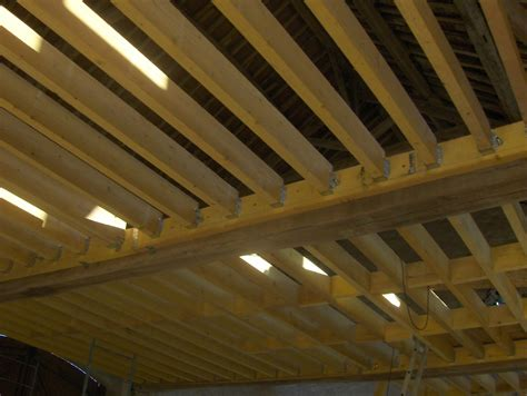 creer un plancher bois on attaque le plancher en juin 2011 la r 233 novation d une grange en maison d habitation