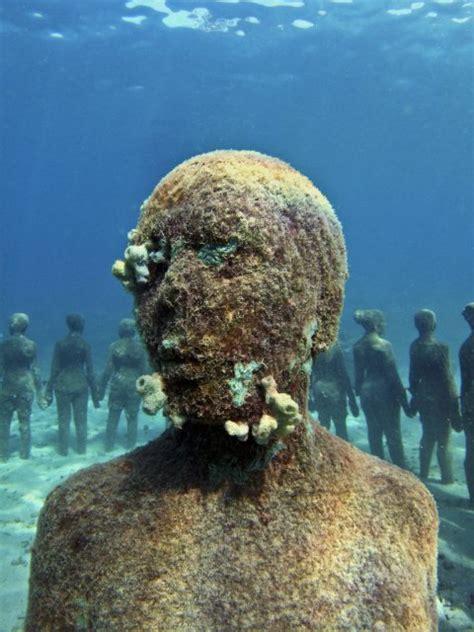 viccisitudes underwater sculpture  jason decaires taylor